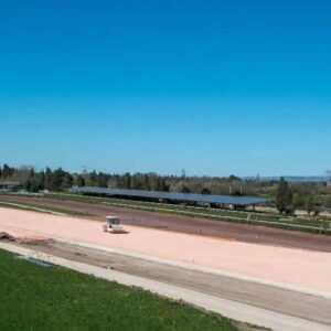 Livraison-sable-rose-TP-provence-eiffage-route-hippodrome-de-la-crau-société-des-courses-de-salon-de-pro (1)
