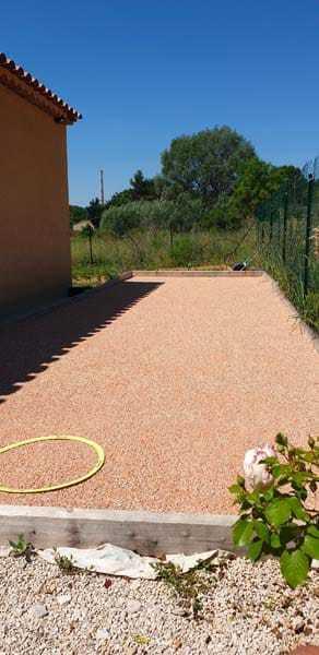 Concevoir son propre terrain de boules avec le sable 0/8 de Carrière Vila livré chez vous ?