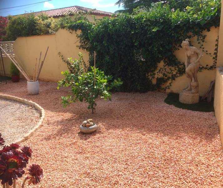 Acheter du gravier de marbre rose et se faire livrer du gravier rose près de Marseille, Toulon, Avignon - Le Rose de Provence