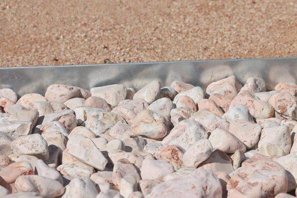 Gravier, Gravillon, Gabion, Concassé, Caillou, Galet, Sable pétanque de marbre rose CARRIERE VILA00031